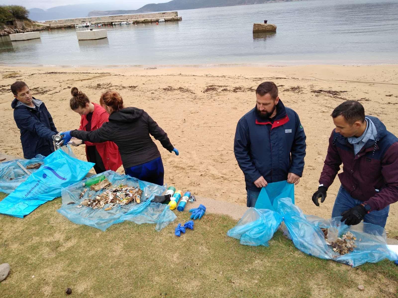 Čišćenje plaža od otpada