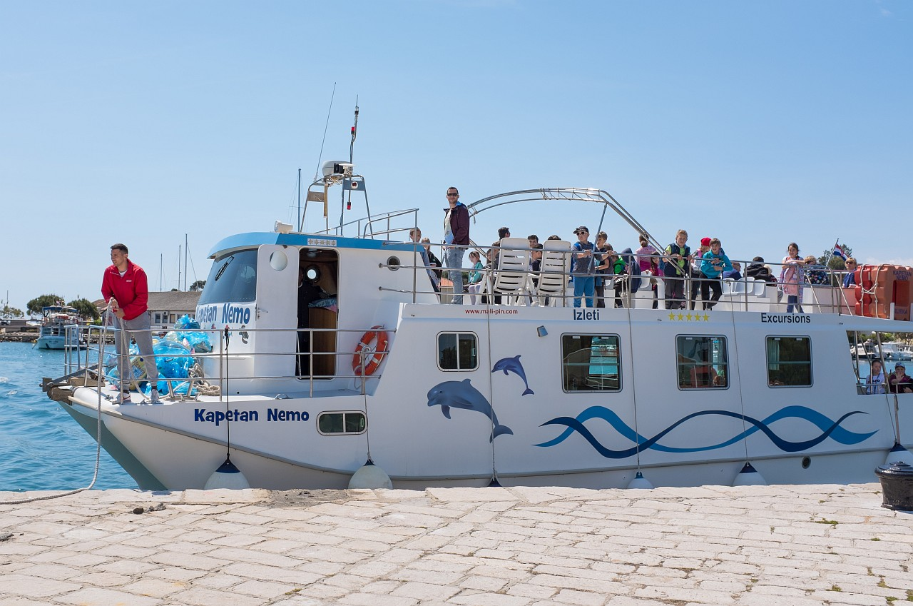 Brod sudjeluje u akciji Plava vreća