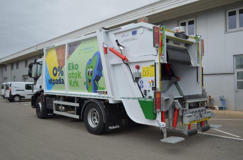 Kamion za odvoz otpada Od varata Do vrata